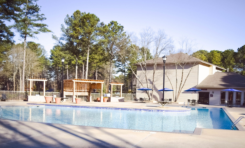 East Perimeter Pointe Apartments Pool