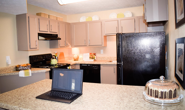 East Perimeter Pointe Apartments Kitchen